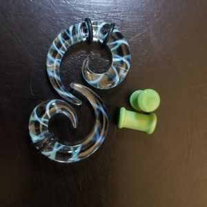 Jewelry - 2g Glass Plugs and Tapers.